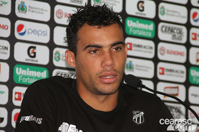 Paulinho Moccelin – Atacante